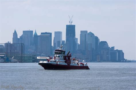 fireboat liberty new york fdny boats 10