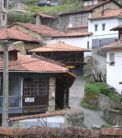 casas chalets adosados en asturias casa en villamejin proaza