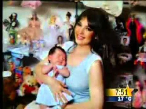 fotos de thalia y su hija sabrina thal 237 a presenta a su hija sabrina youtube