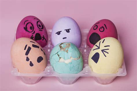 easter themed diy fails    eggsplaining