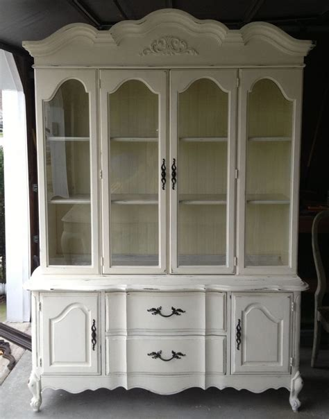 chalk paint old china cabinet newlywed nesters annie sloan chalk paint china cabinet