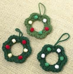 diy wreath christmas ornament easy free crochet pattern