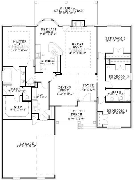 sadie 29353 traditional home plan at design basics as 25 melhores ideias de traditional home plans no