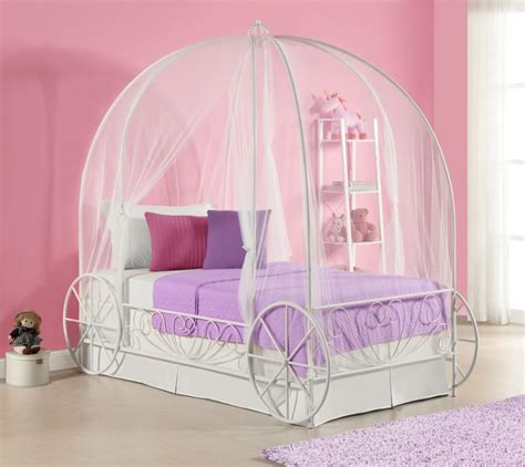 girls carriage bed 12 cute beds for girls ages 2 to 5 years old