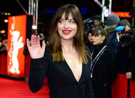 photos of dakota johnsons pubic hair 50 shades of grey star dakota johnson had fake pubic hair