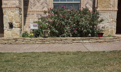 stone flower bed border flower bed edging stacked stone landscaping pinterest