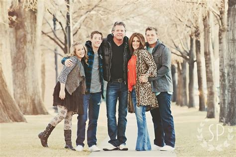 family portrait ideas with teenagers family with teens photography family photo ideas