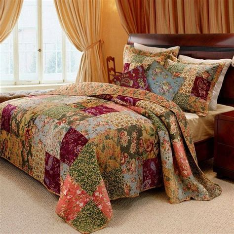 country bed linen best 25 country bedrooms ideas on