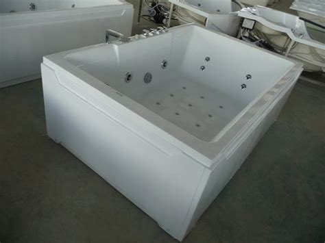 Two Bathtubs by Freestanding Bathtubs For Two Reversadermcream