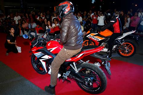 motorcycle philippines honda s holds court in sm city sucat motorcycle