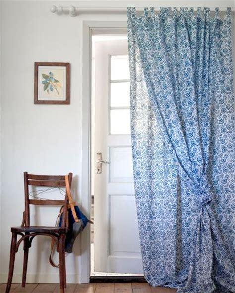 vorhänge kleine fenster wohnzimmer wandgestaltung