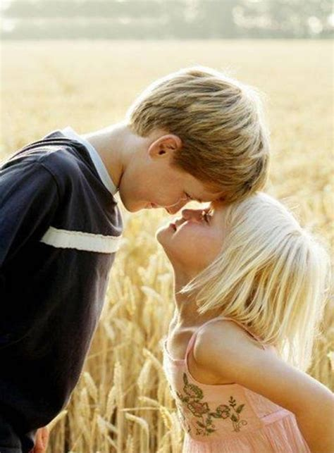wallpaper cute kiss hd wallpapers fine baby couple kissing high resolution hd