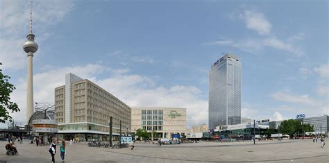 berlin alexanderplatz berghahn books update alexanderplatz seen as a