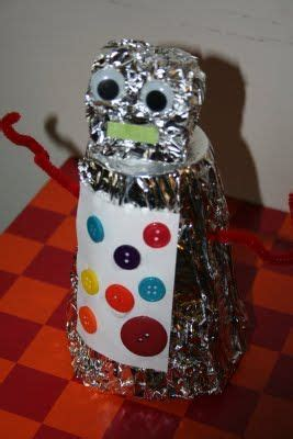 tin foil robot    dalek   crafts