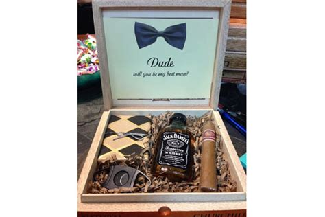 personalized gift ideas 13 handpicked groomsmen gifts that he won t throw away