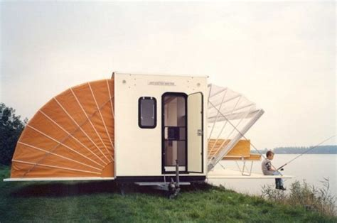 tiny house mobile and this awesome small mobile houses home tiny house clothesline tiny homes amazing house on wheels 3