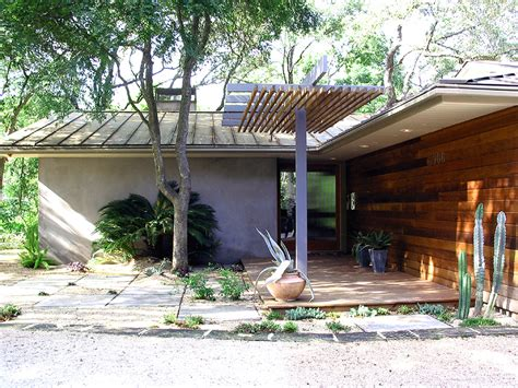 looking atomic ranch trend midcentury entry