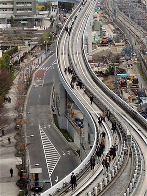 japan today it s me ilak s quake in japan