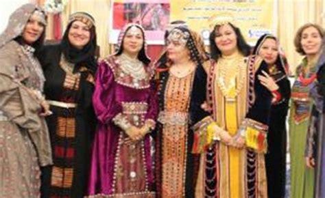 Yemeni Wedding Attire by Better Fashionably Late Than Never Yemen S Models Strut