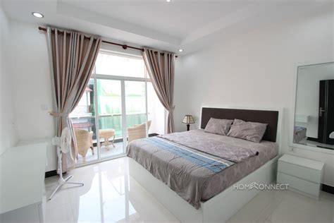 modern 1 bedroom apartment for rent in bkk2 phnom penh
