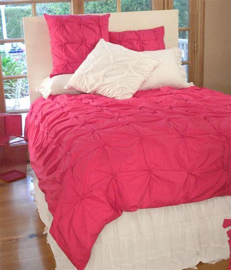 hot pink coverlet best 25 hot pink bedding ideas on pinterest hot pink