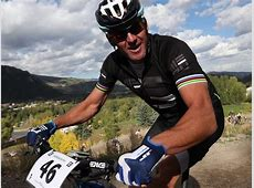 Lance Armstrong rides out of Austin to live in artful ... Lance Armstrong