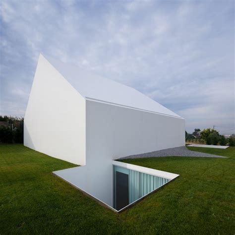 minimalist home beautiful minimalist retreat in portugal house in leiria