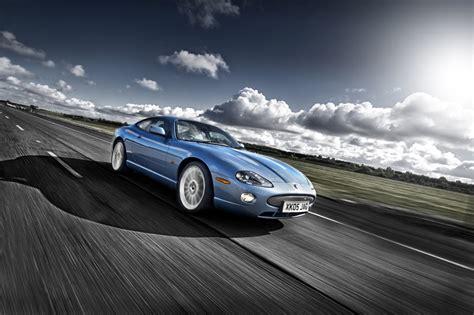 high speed jaguar car photography at the gaydon high speed proving