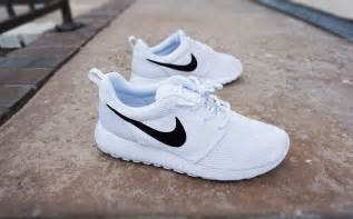 black and white pattern nikes womens custom nike roshe run sneakers minimalistic black