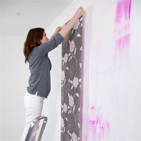 comment poser de la tapisserie papier peint pose kit accessoires de pose papiers peints