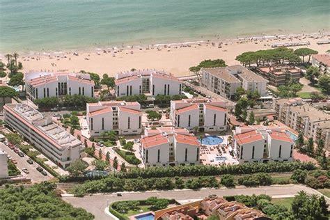 apartamentos pins platja cambrils pins platja apartments cambrils hotels jet2holidays
