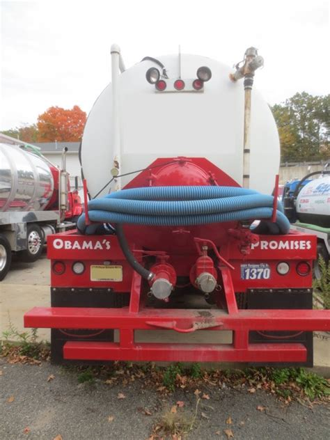 septic tanks for sale septic trucks for sale used septic trucks septic tank pumping trucks for sale