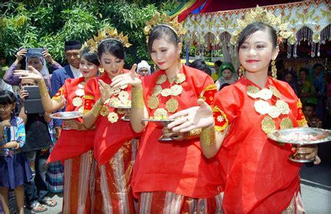 budaya sulawesi selatan  colour  indonesia