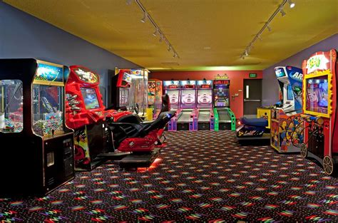 Arcade Rooms by Inn Hotel Suites Maple Grove Nw Mpls Arbor Lks
