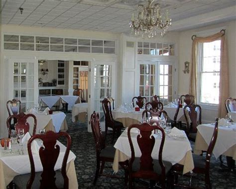 union park dining room 301 moved permanently