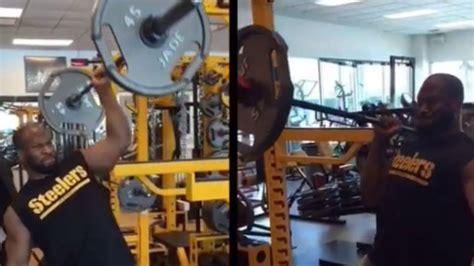 james harrison bench press james harrison makes one handed 135 pound shoulder press