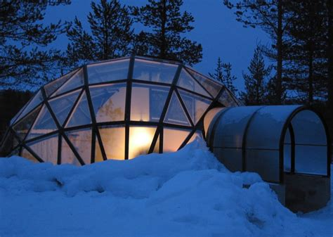 glass igloos with magnificent northern lights views in
