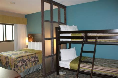bedroom with partition and bunk beds picture of navy lodge island naval air station san