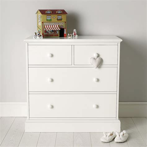 White Painted Chest Of Drawers Uk by White Bedroom Chest Of Drawers Uk Scandlecandle