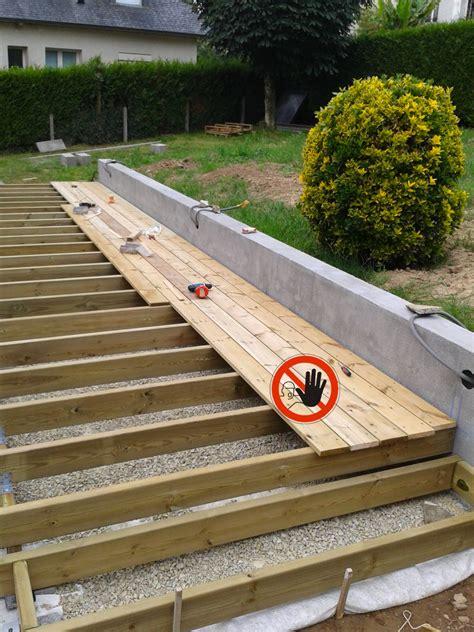 Les Pi 232 Ges De La Construction D Une Terrasse En Bois