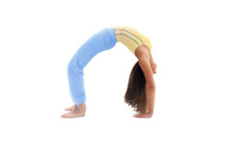 upward bow pose how to do upward bow pose in yoga