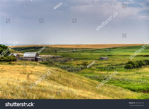 Rural Address Lookup Alberta Farmstead In Rural Southern Alberta Canada Stock Photo 352792142