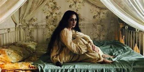 film pengabdi setan di tv terungkap wajah asli sosok seram ibu di film pengabdi
