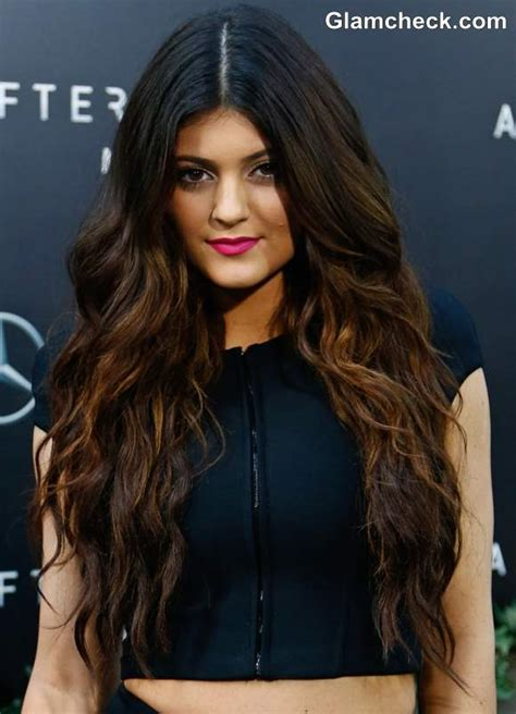 hair color two tone pictures 2013 kylie jenner sports sultry two toned curls