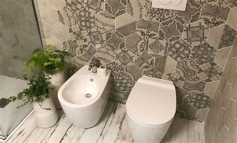 disposizione piastrelle bagno ristrutturazione bagno con piastrelle in gres esagonali