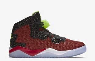 Jordan air spike 40 dunk from above red ghost green sneaker bar