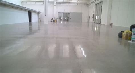 pavimento cemento stato lucidare pavimenti industriali in cemento levigatura