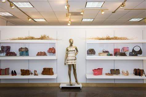 Back On The Rack Brentwood by Brentwood Resale Boutiques To Offer Discounts For Third