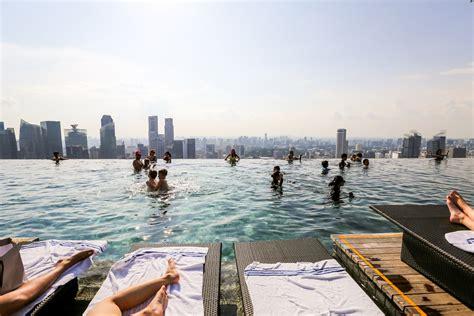 marina bay sands infinity pool singapore swimming on top of singapore at marina bay sands hotel