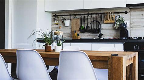 memanfaatkan perabot  dekorasi dapur